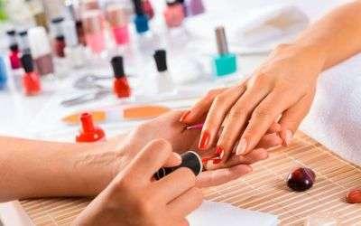 Técnicas de manicura, pedicura y uñas artificiales - a distancia