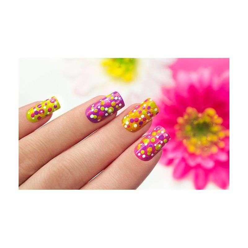 decoración de uñas de colores