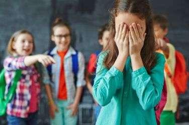 Violencia y victimización escolar - Online