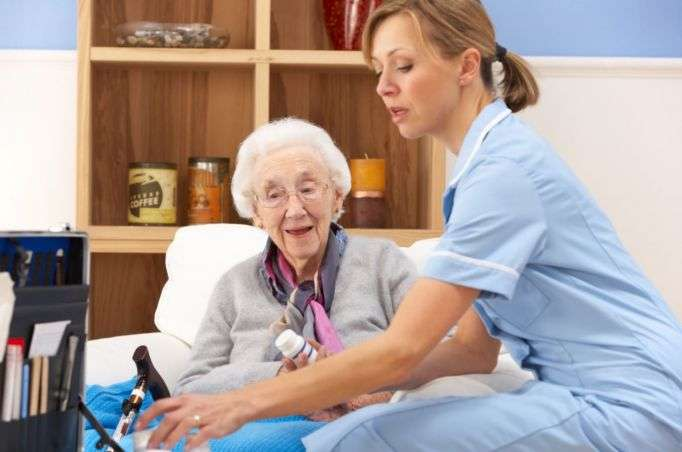 Curso Auxiliar de Enfermería en residencias