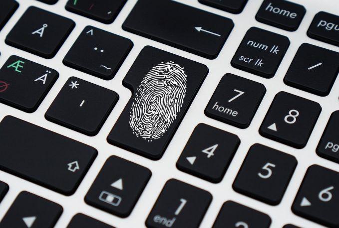 Nueva norma Europea sobre protección de datos + Masterclass de D.José López Calvo