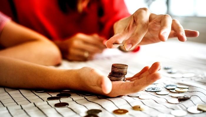 Aprobada la nueva ayuda de 430 € mensuales para jóvenes con contrato de formación