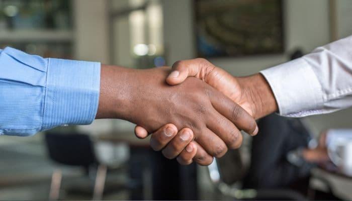 Los pactos laborales con los que el empresario protege su negocio