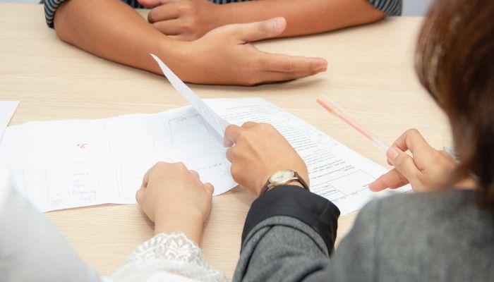 La inscripción en el Registro Mercantil por los asesores es obligatoria