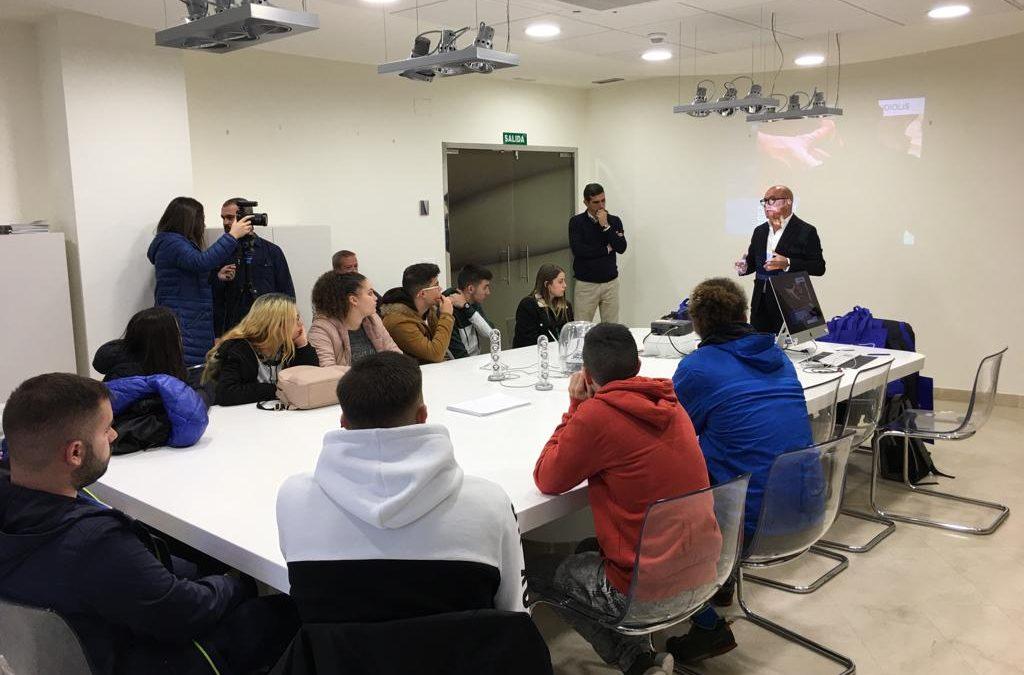 Un nuevo grupo de alumnos obtiene el certificado de marroquinería con el contrato de formación